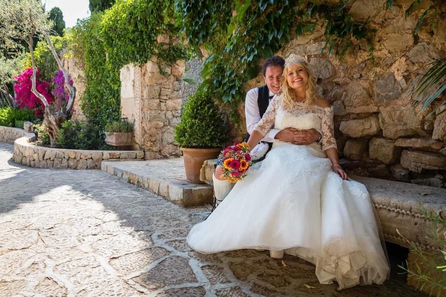 A fun Mallorca wedding in beautiful Valldemossa