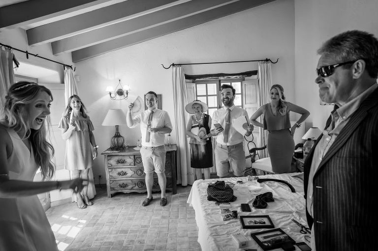 Dad sees his daughter for the first time at her Pollensa wedding in Mallorca